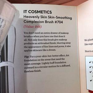 it cosmetics Makeup - IT Cosmetics Brush
